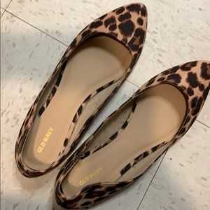 Pointed toe leopard flats. Size 11